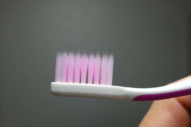 toothbrush 141105 960 720
