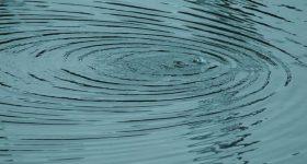 この世の全ては振動でできている?特定の周波数や波長が持つ特別な力と効能とは?
