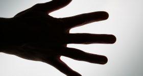<初心者向け>爪の縦筋や爪が欠けているのは〇〇からのサイン。マクロビオティック望診法でみる爪の症状別、対策法