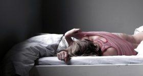 寝ても寝たりない・日中眠くなる人は栄養不足なのか?〜鍼灸師のMinery「飲むミネラル」 体験レポート日記 vol.2〜