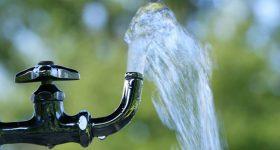 とうとう始まる水道民営化|ボロボロの水道管で耐震化が予算を圧迫?!危機に瀕した日本の水を守るために私たちが出来ること