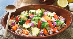 ヴィーガンデリ風玄米サラダの作り方|自律神経を整えるにはグレインズサラダがオススメな理由