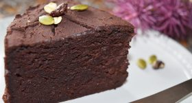 チョコなしで簡単!米粉と豆腐で作るしっとり濃厚ガトーショコラの作り方