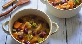 野菜を使った最強の簡単デトックススープの作り方
