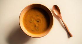 食欲のない時や風邪の引きはじめにおすすめ!材料4つで簡単。体を温めるパンプキンキャロットポタージュの作り方