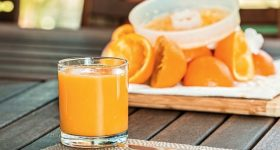 ビタミンCは健康体な人と不健康な人では必要量が違う。「市販の合成ビタミンC」の落とし穴。良質なビタミンCを常に摂取しなければならない理由とは