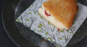 砂糖不使用・グルテンフリー!オーブン不要。フライパンで作るぎっしり無農薬りんごを詰め込んだりんごケーキの作り方。