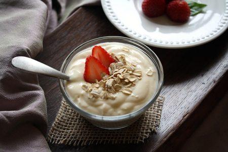 yogurt-1442033_640